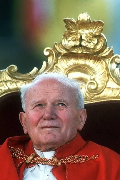 Pope John Paul II In Agnone:ニュース(壁紙.com)
