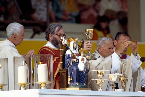 Basil「Papal Visit To Britain」:写真・画像(0)[壁紙.com]
