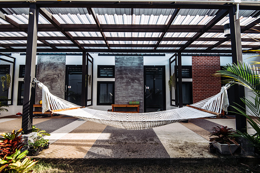 Hostel「Hammock in front of the rooms and bungalows in Thailand」:スマホ壁紙(14)
