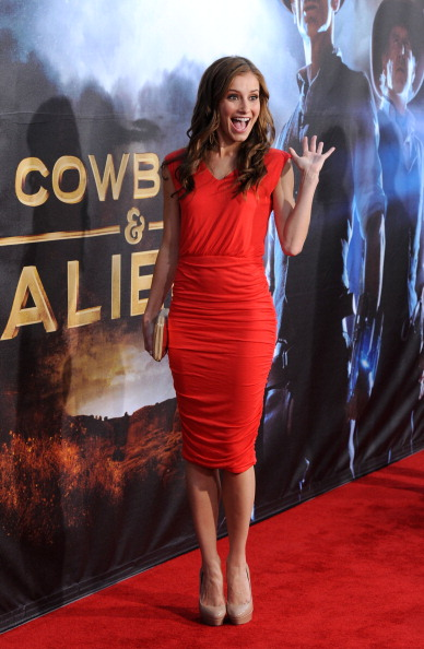 "Cowboys & Aliens「Premiere Of Universal Pictures ""Cowboys & Aliens"" - Arrivals」:写真・画像(0)[壁紙.com]"