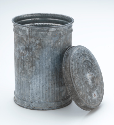 Metallic「Trash Can」:スマホ壁紙(19)