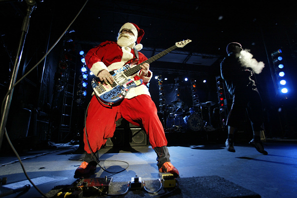 Guitar「Red Hot Chili Peppers Perform At Snowboard Grand Prix」:写真・画像(8)[壁紙.com]