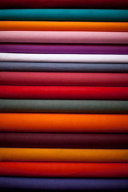 Stacked colorful textiles:スマホ壁紙(壁紙.com)