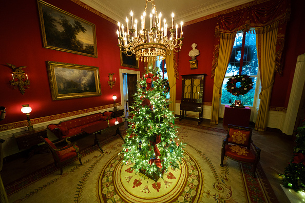 Christmas Decoration「White House Holds Press Preview For Its Christmas Décor」:写真・画像(4)[壁紙.com]