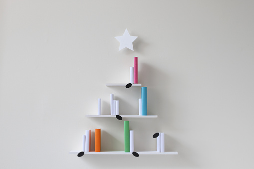 Graduation「Christmas tree musical bookshelves」:スマホ壁紙(18)