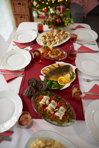 Carp「Christmas table full of traditional Polish dishes. Debica, Poland」:スマホ壁紙(15)