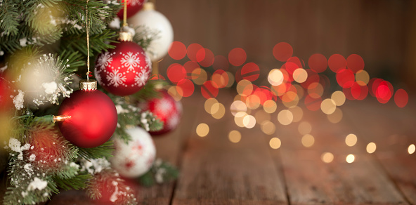 Web Banner「Christmas Tree, Ornaments and Defocused Lights Background」:スマホ壁紙(8)