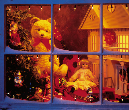 Doll「Christmas toys Through Window」:スマホ壁紙(19)