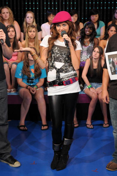 Belt「MTV TRL Presents Miley Cyrus & Teddy Geiger」:写真・画像(6)[壁紙.com]