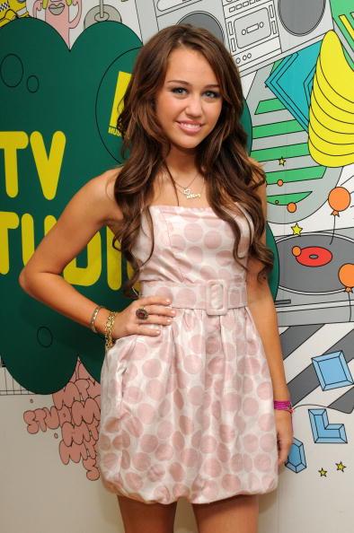 Cocktail Ring「MTV TRL Presents Miley Cyrus」:写真・画像(19)[壁紙.com]
