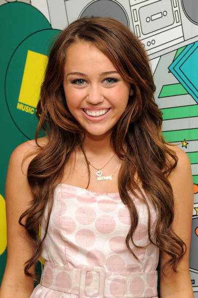 Pink Lipstick「MTV TRL Presents Miley Cyrus」:写真・画像(18)[壁紙.com]