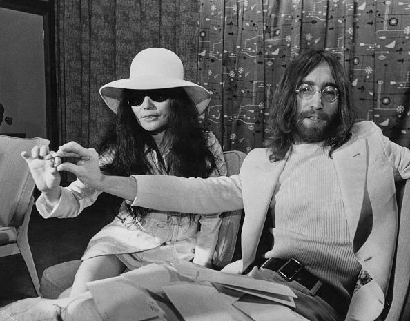 Heathrow Airport「John And Yoko」:写真・画像(19)[壁紙.com]