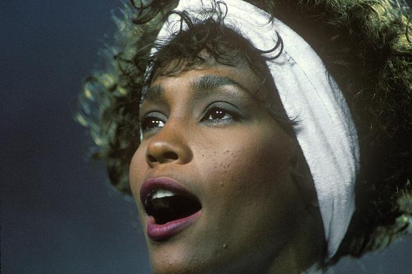 Super Bowl「Whitney Houston Sings The National Anthem」:写真・画像(7)[壁紙.com]