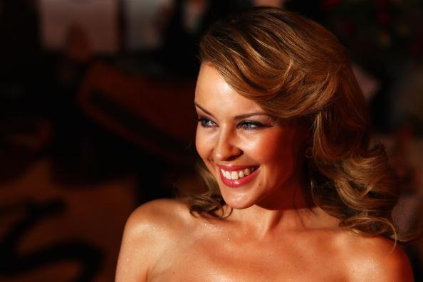 Kylie Minogue「The Brit Awards 2009 - Arrivals」:写真・画像(19)[壁紙.com]