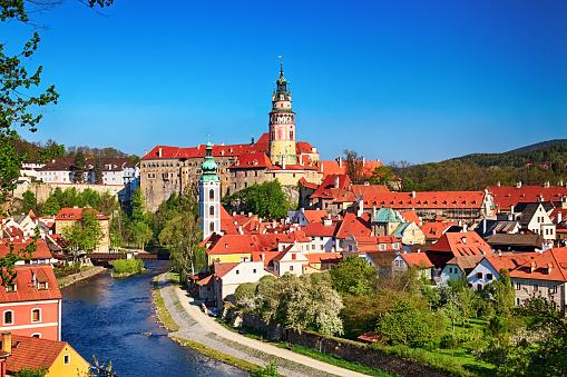 Czech Republic「Summer view of Cesky Krumlov」:スマホ壁紙(18)