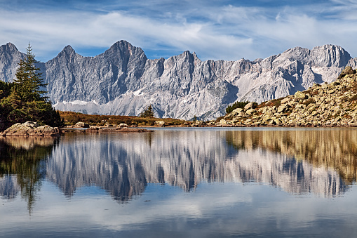 Dachstein Mountains「Summer view of reflections in Mittersee (Spiegelsee) mountain lake in Styria, Austria.」:スマホ壁紙(10)