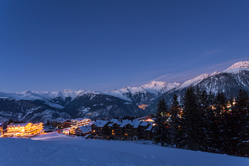 Ski Resort「Courchevel ski resort at dusk」:スマホ壁紙(5)
