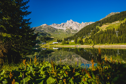 Trois Vallees「Courchevel 1850, the lake near the golf field」:スマホ壁紙(16)