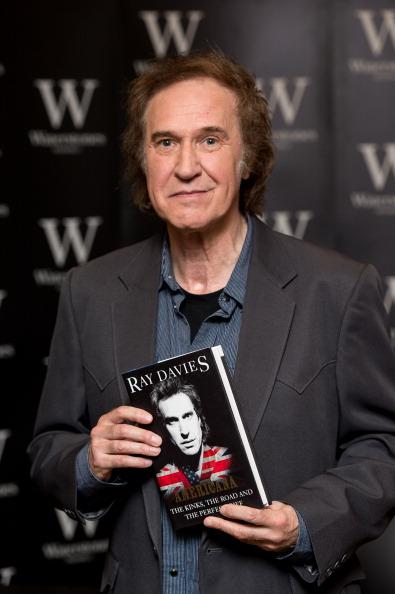 Ian Gavan「Ray Davies - Book Signing」:写真・画像(1)[壁紙.com]