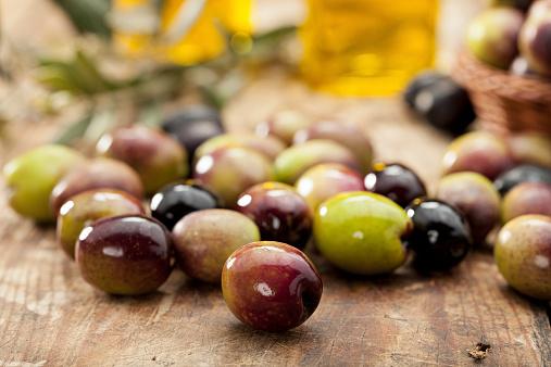Mediterranean Food「Raw Olives」:スマホ壁紙(15)