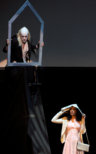 ルーカス グラビール「The Rocky Horror Picture Show 35th Anniversary To Benefit The Painted Turtle - Show」:写真・画像(9)[壁紙.com]
