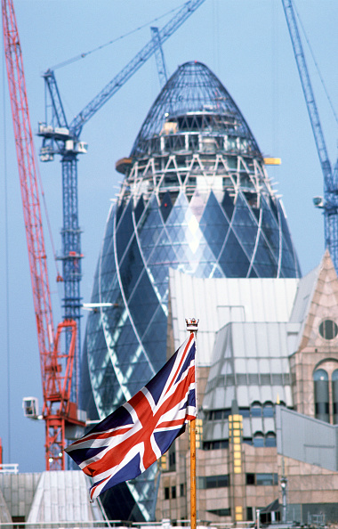 "Urban Skyline「The 'Union Jack' in front of The Gherkin"" (Swiss Re Headquarters), City of London, United Kingdom Designed by Sir Norman Foster and Partners」:写真・画像(2)[壁紙.com]"