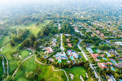 Green - Golf Course「Bel Air Los Angeles neigborhood mansions and golf course, aerial」:スマホ壁紙(11)