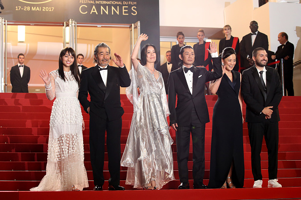 光「'Hikari (Radiance)' Red Carpet Arrivals - The 70th Annual Cannes Film Festival」:写真・画像(18)[壁紙.com]