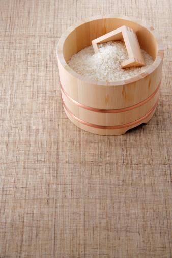 Masu「Uncooked rice in a bamboo tub」:スマホ壁紙(4)