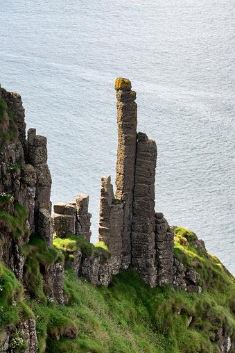 Basalt「UK, Northern Ireland, County Antrim, basalt columns at Causeway Coast」:スマホ壁紙(19)