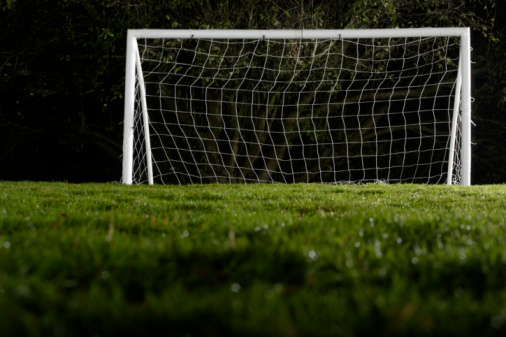 Focus On Background「Goal on sports field, ground view, night」:スマホ壁紙(2)
