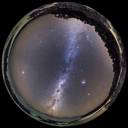Multiple Exposure「A 360 degree fish-eye panorama of the southern autumn sky, Australia.」:スマホ壁紙(9)