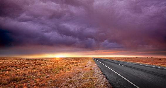 Moody Sky「Outback Road」:スマホ壁紙(19)