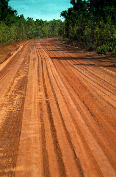 Pampas「Outback road (near the town of Darwin) - state of northern territory - Australia」:写真・画像(3)[壁紙.com]