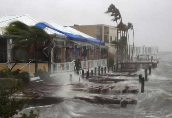 Wave - Water「Hurricane Matthew Bears Down On Atlantic Coast」:写真・画像(10)[壁紙.com]