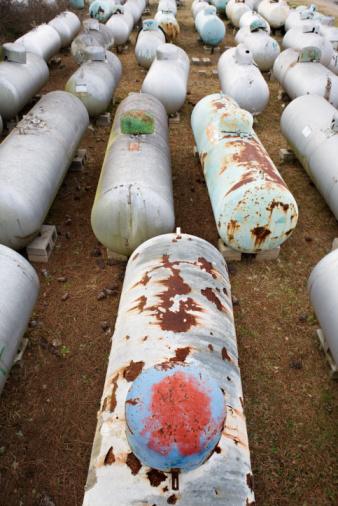 Fireball「Discarded propane tanks」:スマホ壁紙(9)