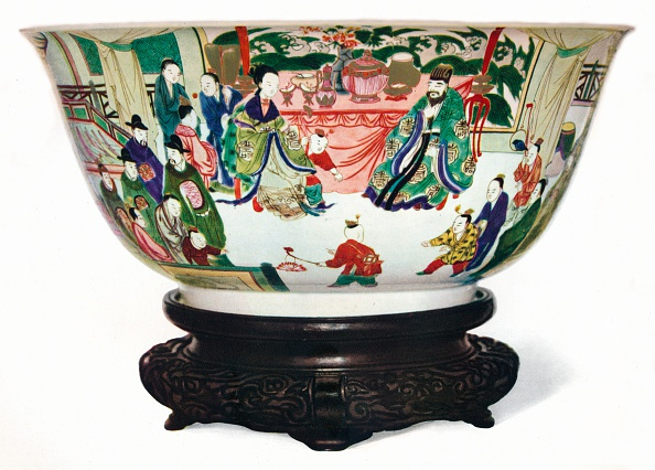 Clipping Path「Kangxi Period Famille Verte bowl with a scene of the imperial court, Chinese, c1705」:写真・画像(9)[壁紙.com]