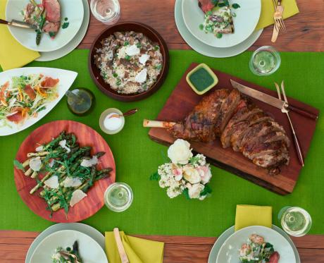 Arugula「Table setting w/roasted leg of lamb & side dishes」:スマホ壁紙(0)