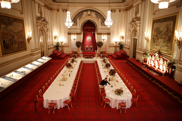 Table「A Royal Welcome Exhibition Opens At Buckingham Palace」:写真・画像(1)[壁紙.com]