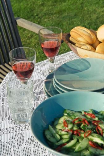 Hove「Table setting outdoors」:スマホ壁紙(14)