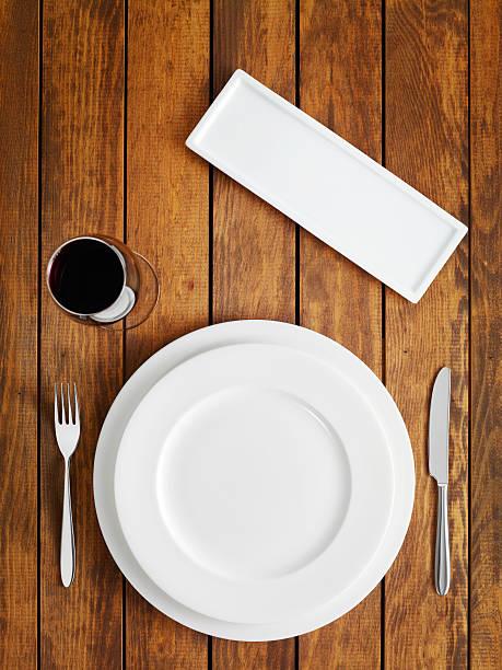 Table setting:スマホ壁紙(壁紙.com)