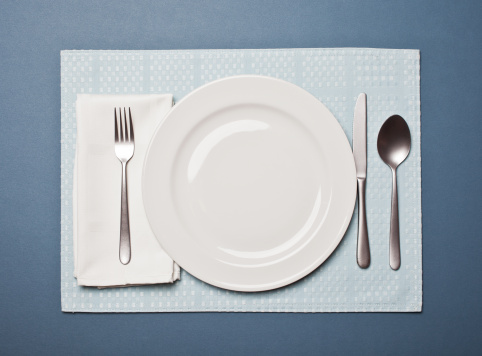 Napkin「Table setting with an empty plate」:スマホ壁紙(4)