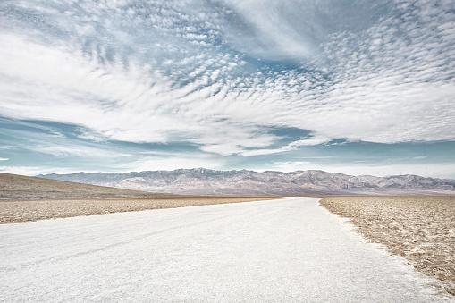 Extreme Terrain「salt flats in death valley」:スマホ壁紙(10)
