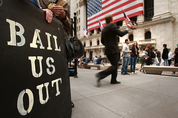 Crisis「Markets Revive As US, Europeans Shore Up Banks」:写真・画像(3)[壁紙.com]