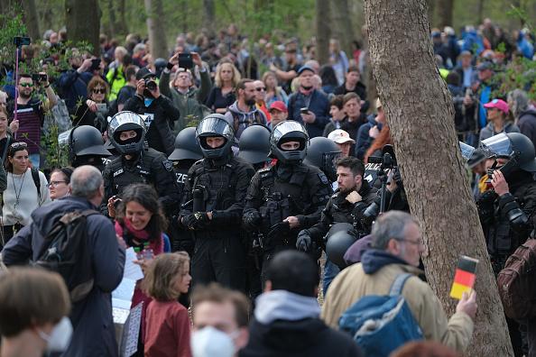 Human Role「Protesters Rally Against New Lockdown Legislation」:写真・画像(0)[壁紙.com]