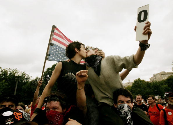 Zero「Anti-War Protestors Demonstrate In Washington」:写真・画像(0)[壁紙.com]