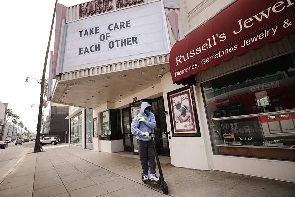 ビバリーヒルズ「Businesses Close Stores Nationwide In Response To Coronavirus Pandemic」:写真・画像(5)[壁紙.com]