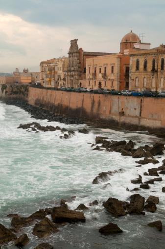 Durability「Walled city of Syracuse on the Sicilian coast」:スマホ壁紙(19)