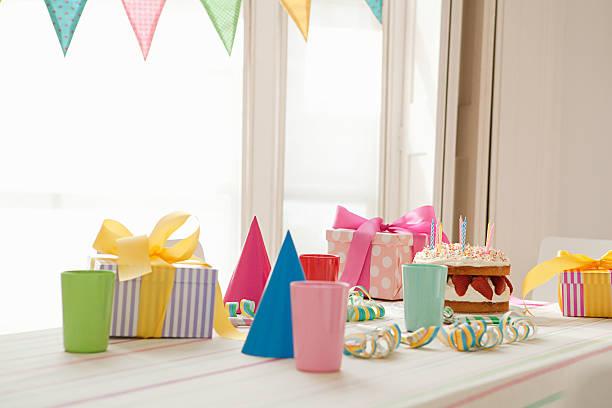 Birthday party preparation:スマホ壁紙(壁紙.com)