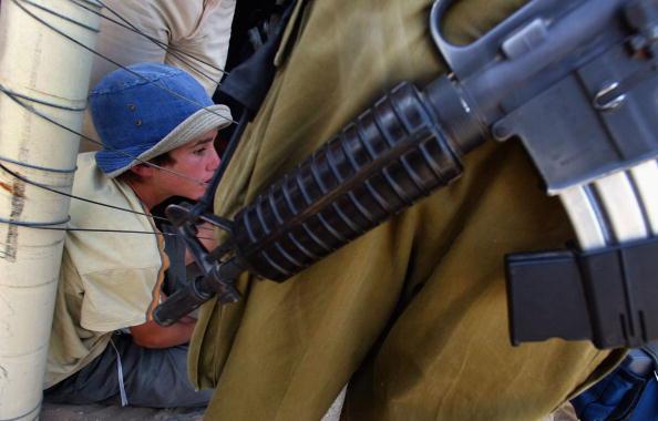 Midsection「Settlers Prevent Israeli Troops Delivering Eviction Notices」:写真・画像(6)[壁紙.com]
